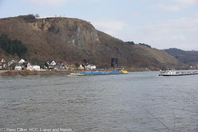 am Anreisetag schauen wir uns um wo es für den Rheinburgenweg fein wäre zu schlafen, gleichzeitig genießem wir die beschauliche Ruhe am Rhein, leider etwas kalt
