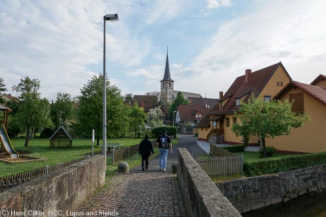 Wir starten am Aschacher Schloss und steigen rauf zum Kreuzberg, die Kombo um Dausi ist einfach nur spitze so das die Zeit wie im Fluge vergeht.