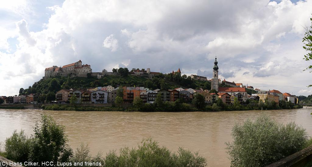 heute mal üner Kloster Kreuzberg angereist, dann bei der Weiterfahrt nach Linz über Burghausen, echt fein das Ganze.